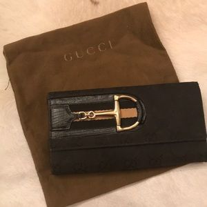 Gucci wallet with horse bit detail